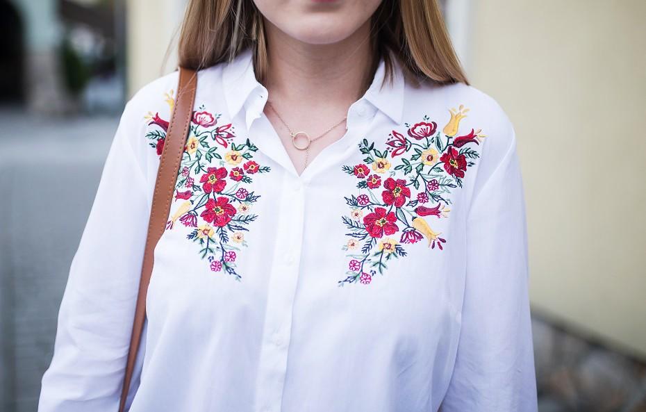 Haftowane kwiaty na ubraniach, HIT czy KIT?