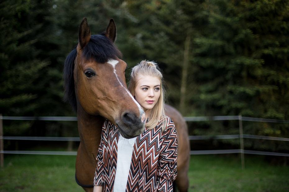 Sesja zdjęciowa z koniem
