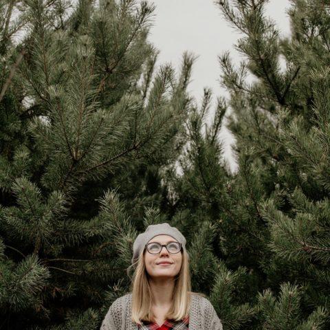 Wybieramy i stroimy choinkę – tradycja wigilijna
