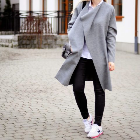 Long coat + new balance