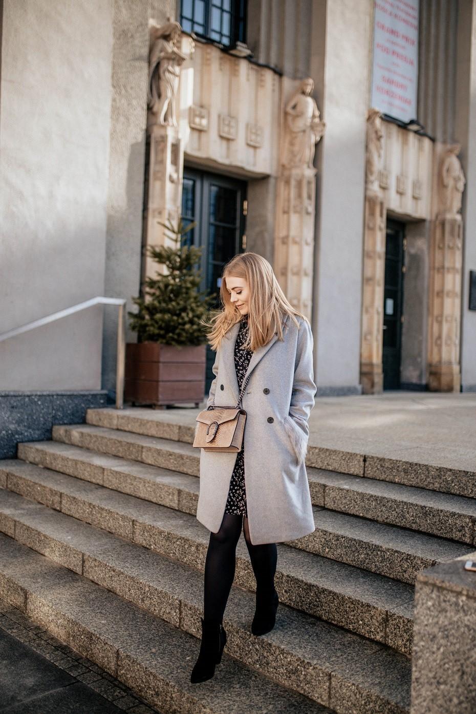 Stylizacja szary płaszcz
