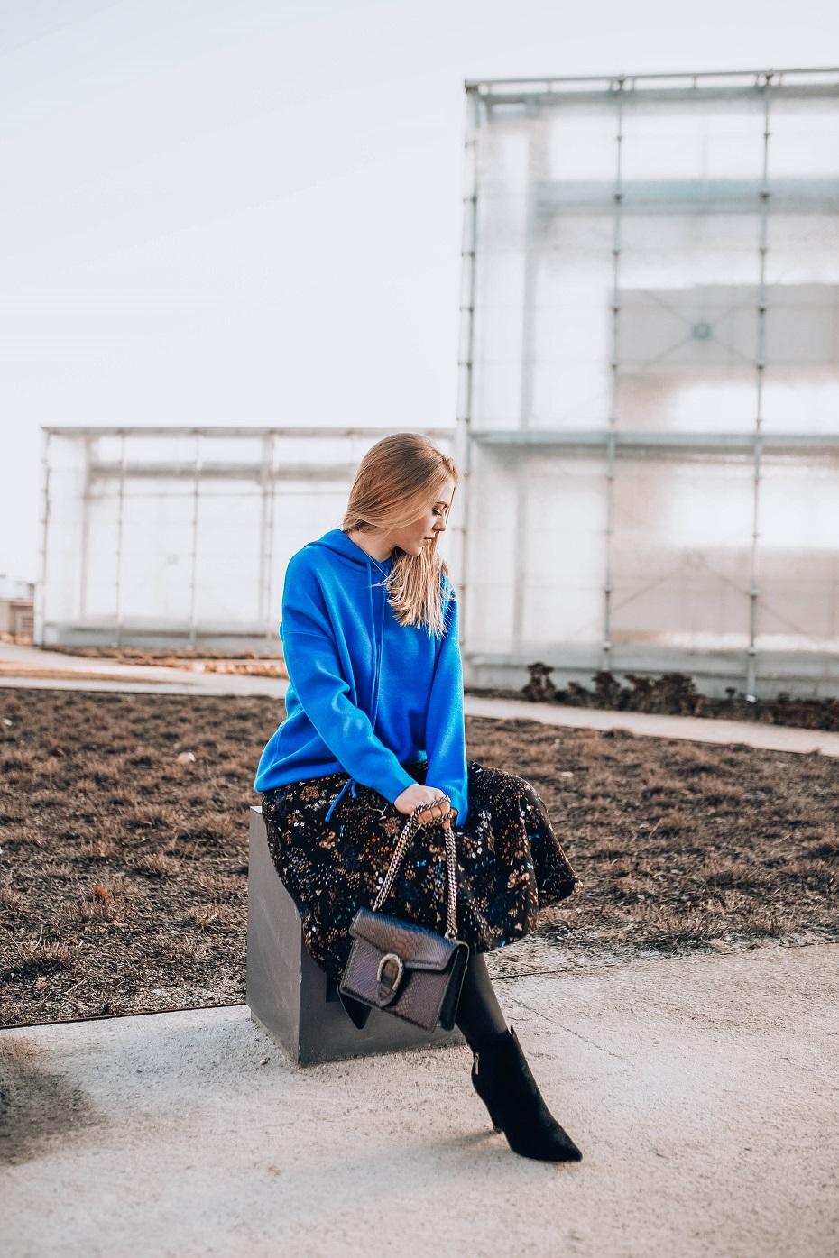 Carry błękitna bluza