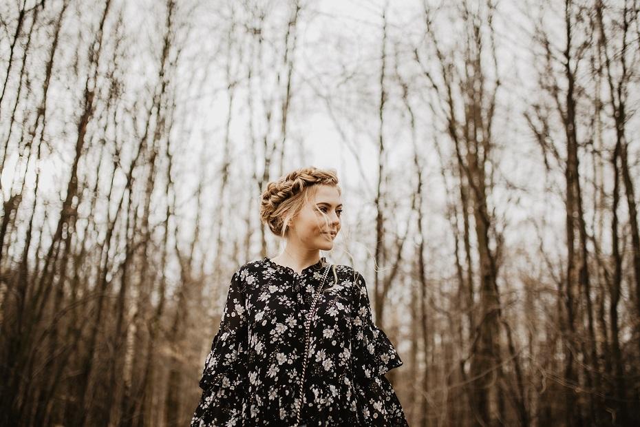 sukienka w kwiaty carry