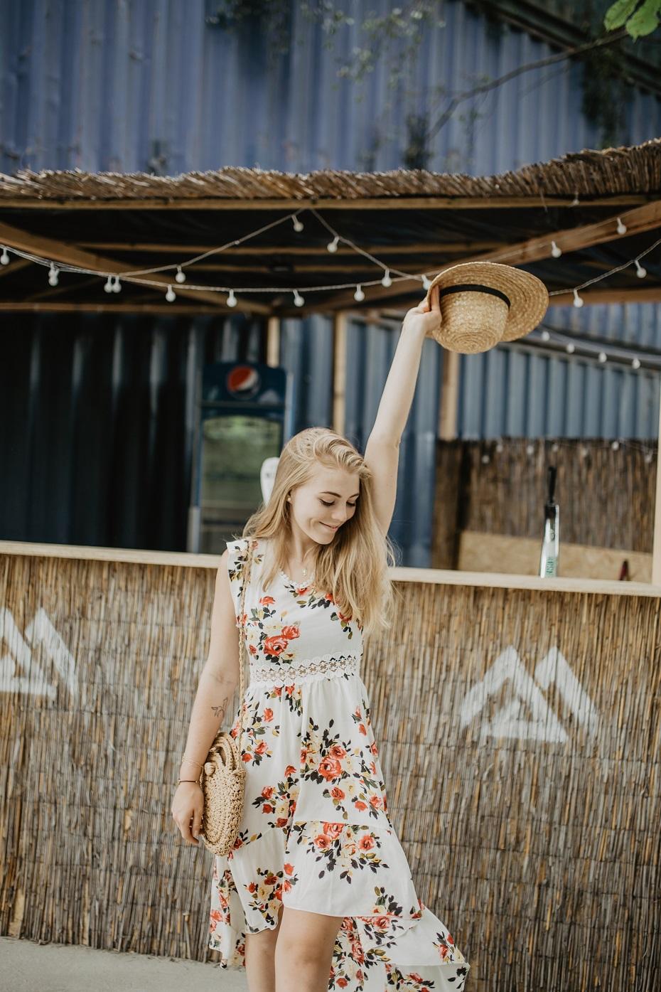 stylizacja z sukienką floral