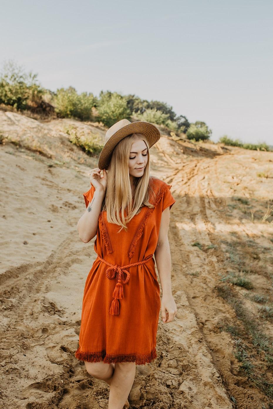 Sukienka bordowa boho
