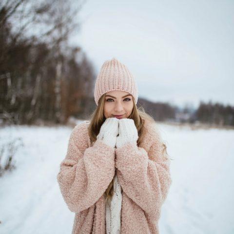 Zimowa stylizacja w pastelowych kolorach