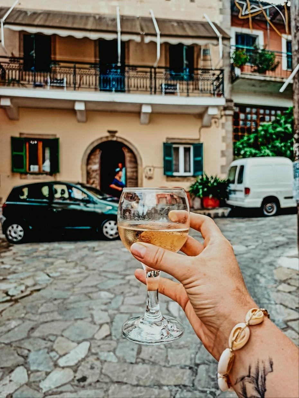 Rozina and Pavlos Taverna